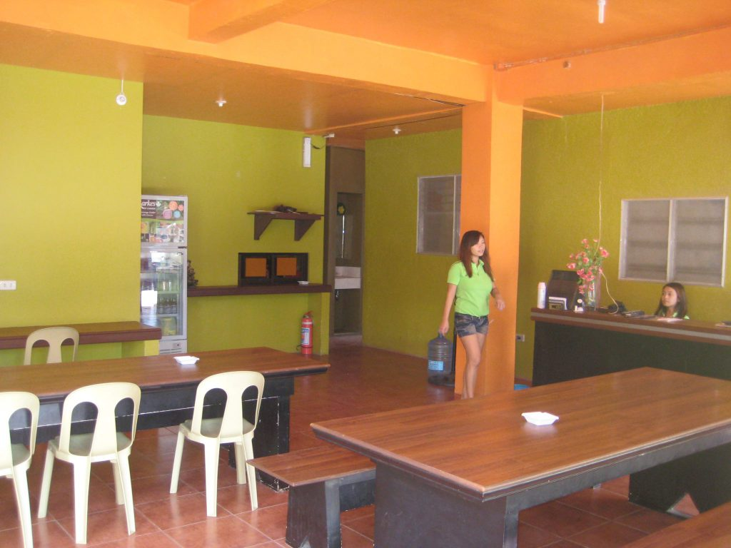 english language courses in the philippines cebu esl school rooms